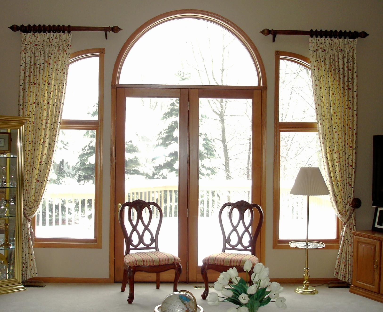 Lovely Wooden Window Curtains 16 Elegant Room With Simple Interior - Interior Design Tips